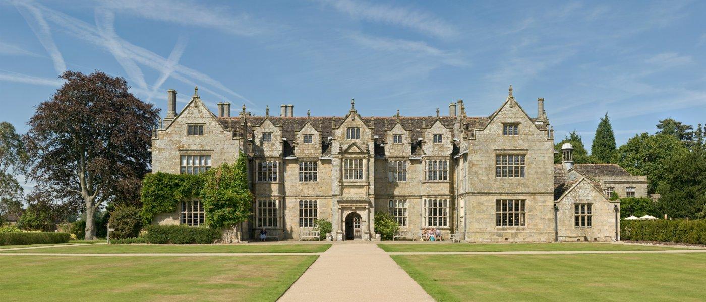 10m mansions UK