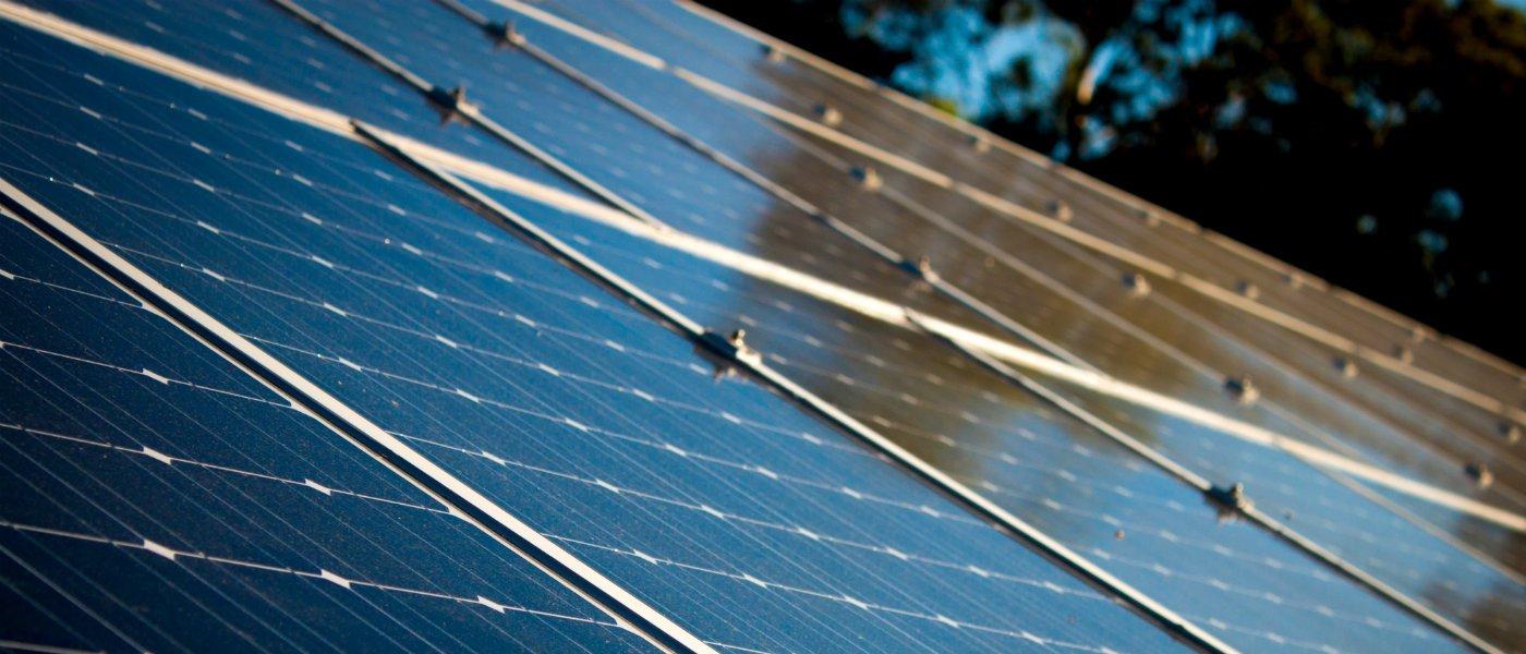 Advantages Disadvantages of Solar Panels.jpg