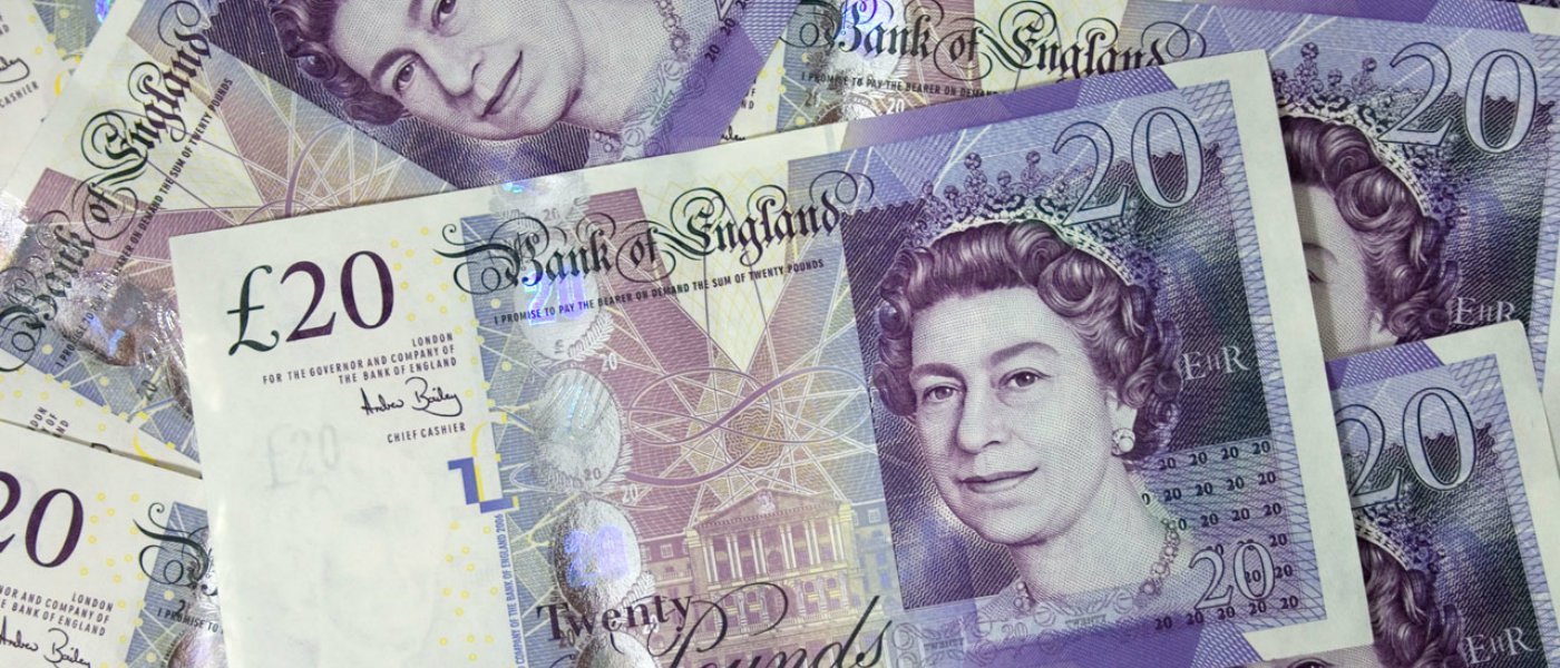 New Report Criticises Customers Who Pay Pros in Cash