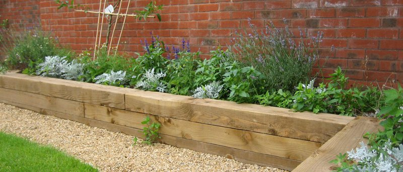 Creating flower beds for your garden for Creating a flower bed