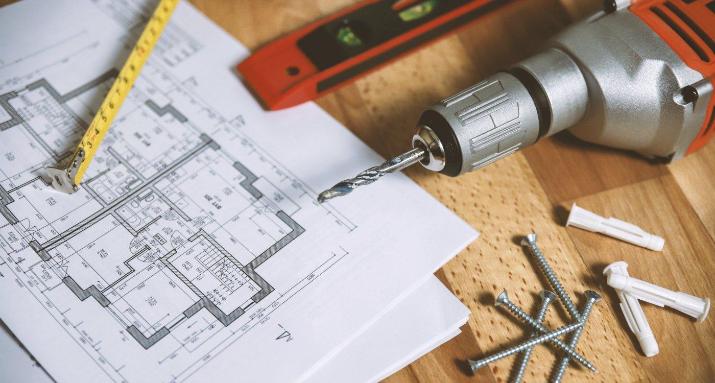 hiring tenants tradesmen rights landlord renting.jpg