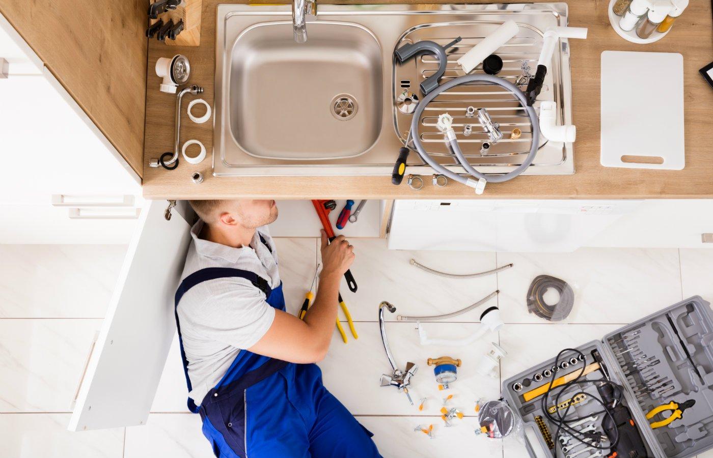 landlord tenant responsibilities tradesmen.jpg