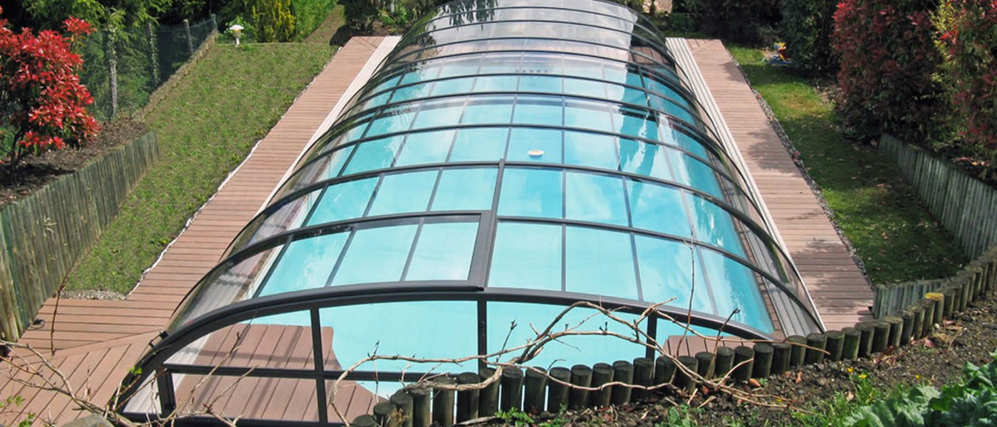 How to build a swimming pool in a garden - Building a swimming pool yourself ...