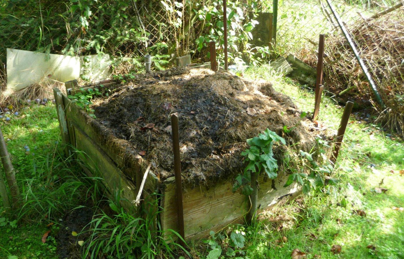 prepare your garden for spring compost.jpg