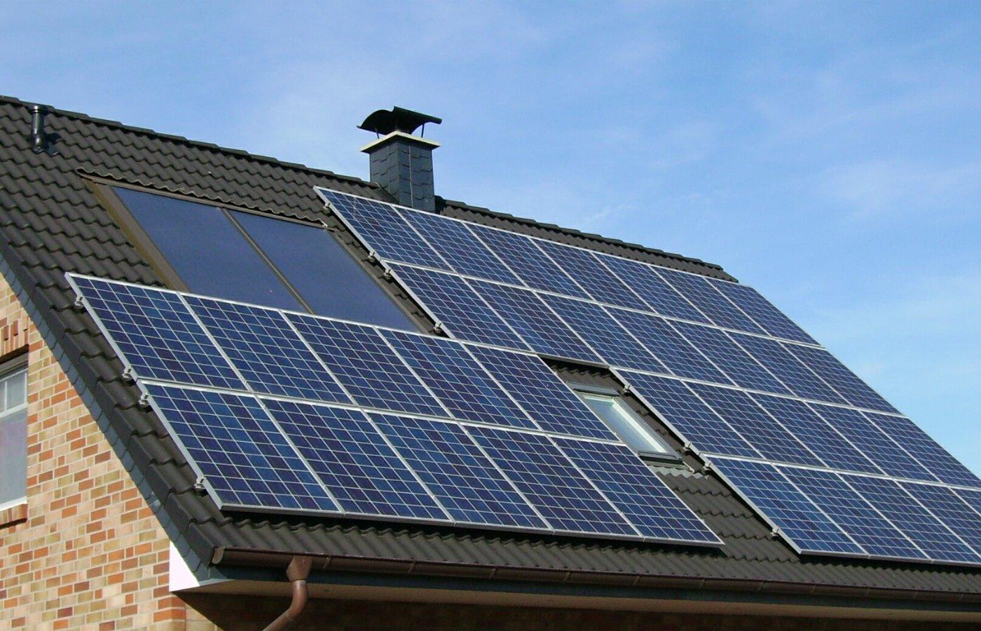 solar panels advantages disadvantages.jpg