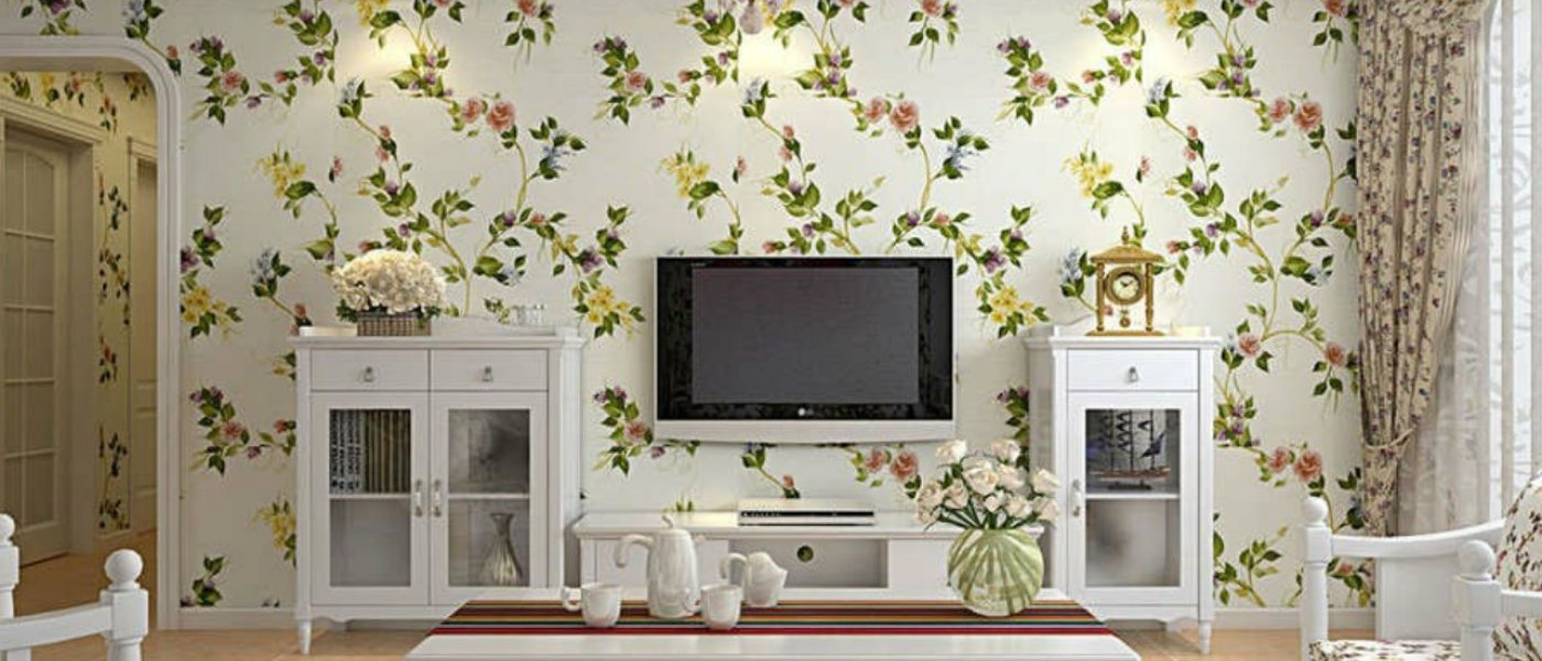Living room wallpaper texture - Foil Foil Wallpaper Is A More Modern Option It Is Metalised Giving It A Reflective Surface Resembling Any Precious Metal You May Desire